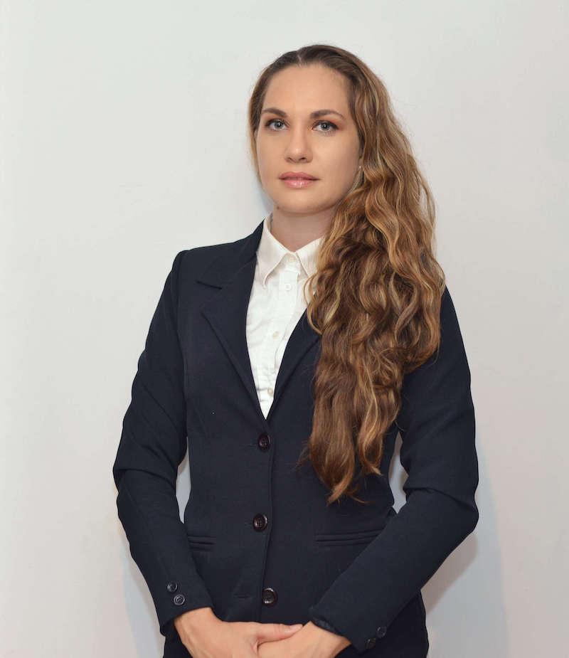 Lic. Yenedik Vega Rubín-Abogada Corporativa